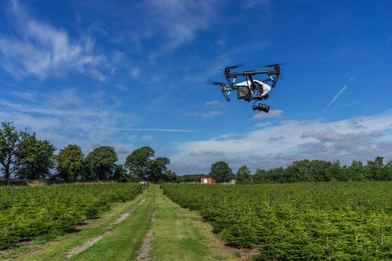Få et dronebevis hos Droner.dk
